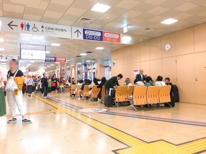 Shinjuku busterminal 12 待合いスペース