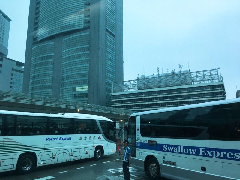 Shinjuku busterminal 19 バス出発