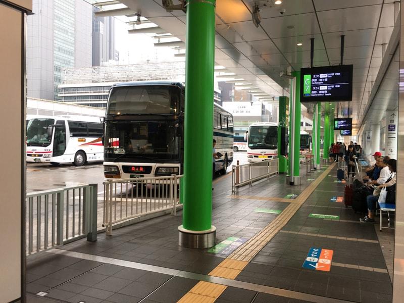 Shinjuku busterminal 16 バス乗り場