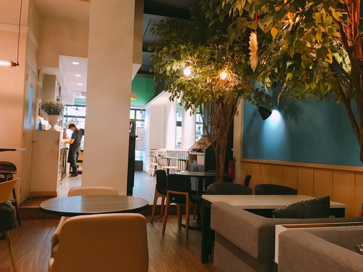 Singapore cafe 14