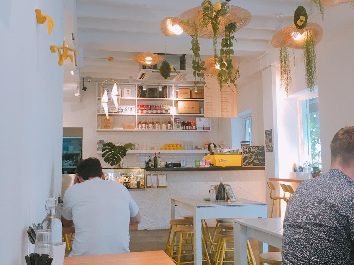 Singapore cafe 4
