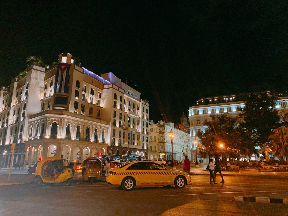Cuba wifi 10 ハバナの夜