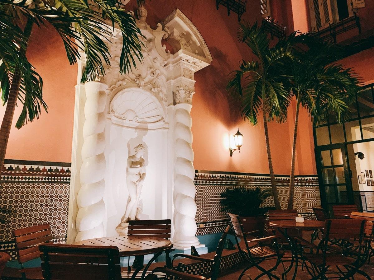 Habana casa 4ホテル中庭