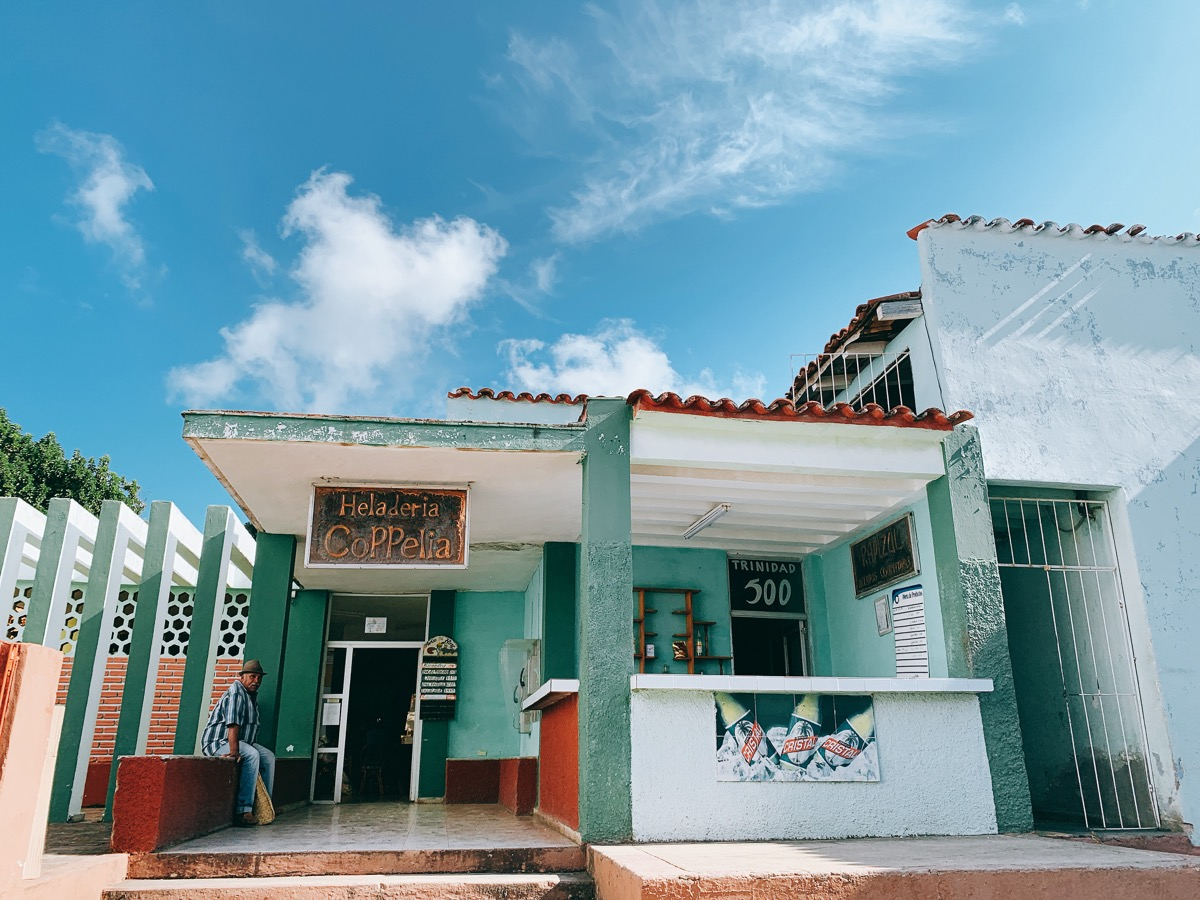 Trinidad 53エメラルドグリーンのお店