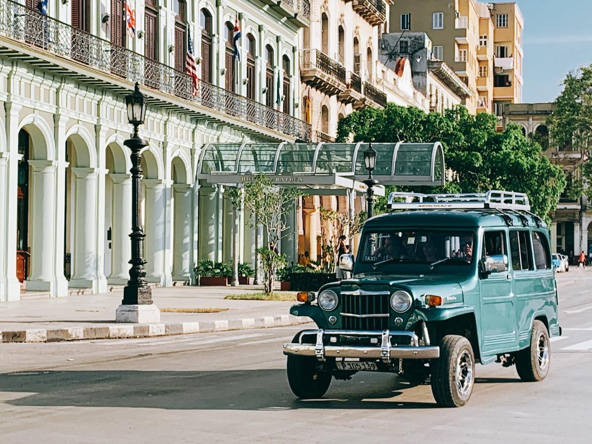 Cuba classiccar 25