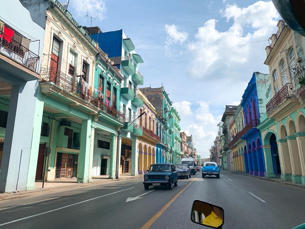 Cuba classiccar 35