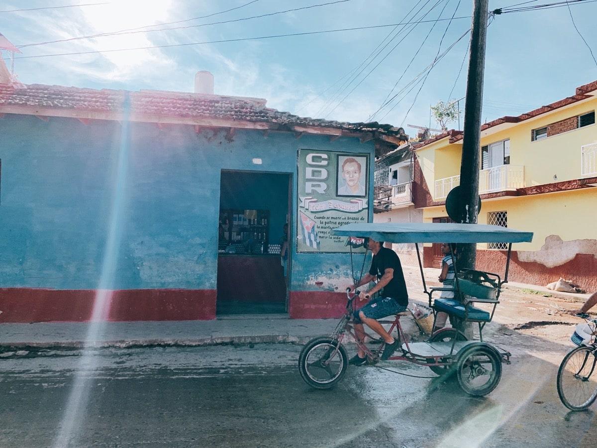 Trinidad 25ブルーの家