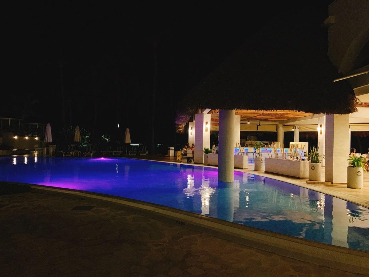Varadero 12夜のプールライトアップ