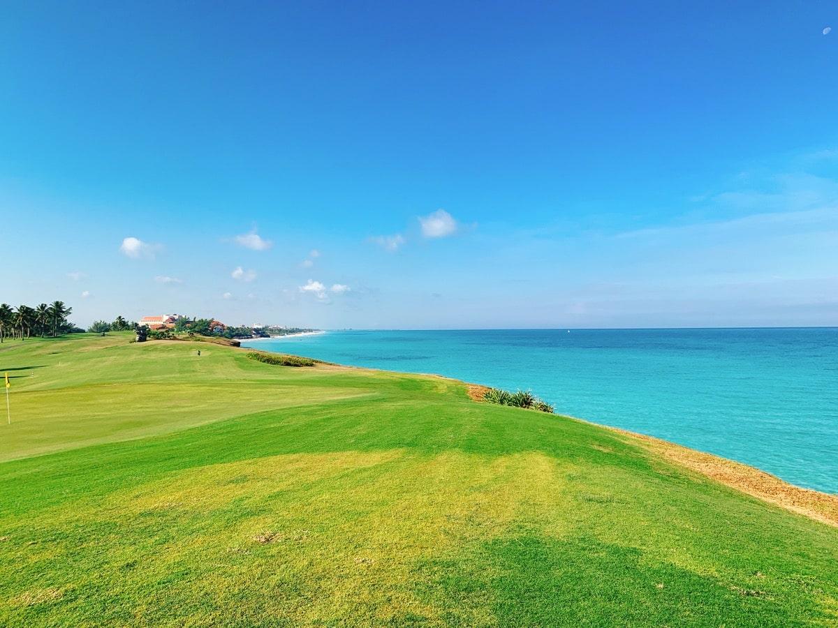 Varadero 20ゴルフ場と海