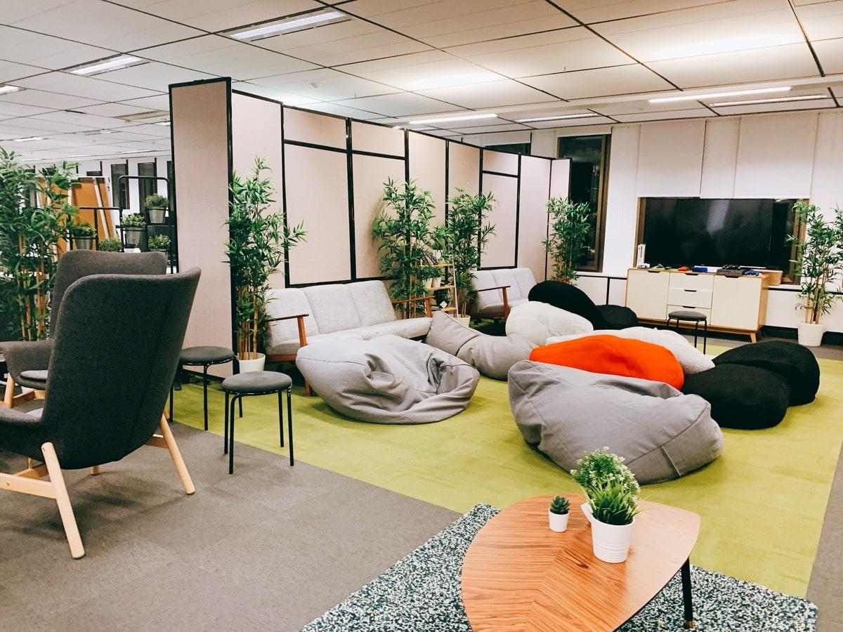 Australia startup 8タンクストリームラボソファ