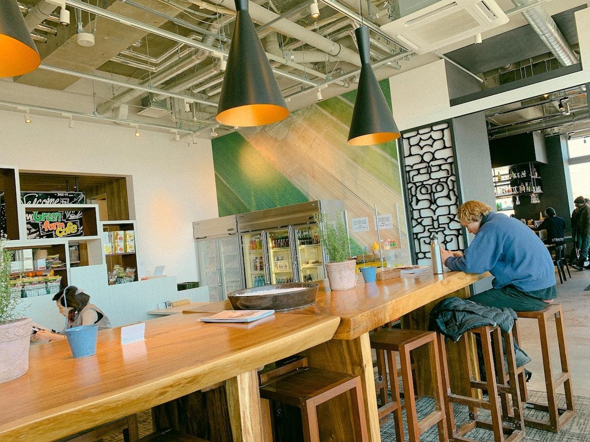 Niseko job 13外国っぽいカフェ